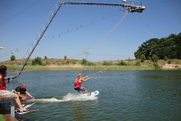 Kurse für Anfänger auf der Wasserski-Anlage von Cable Park Rügen in Zirkow
