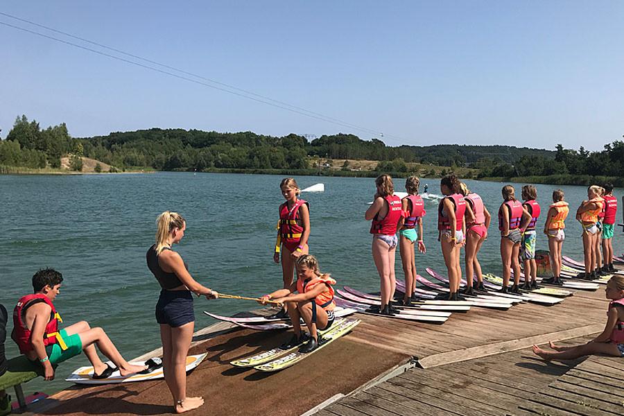 Wasserski-Kursangebote für Schulklassen von Cable Park Rügen